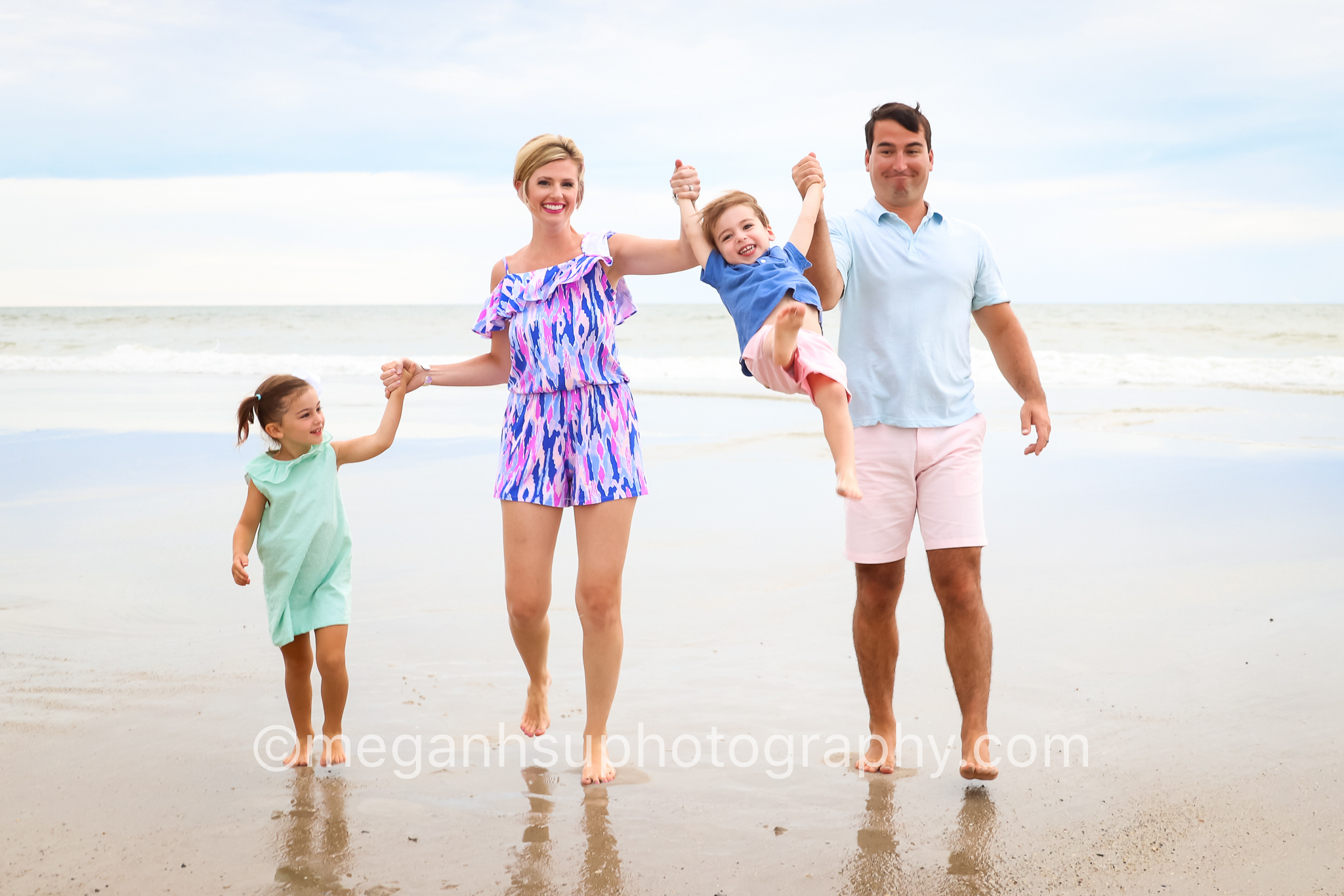 family-photographer-topsail-beach-nc-lifestyle-fun